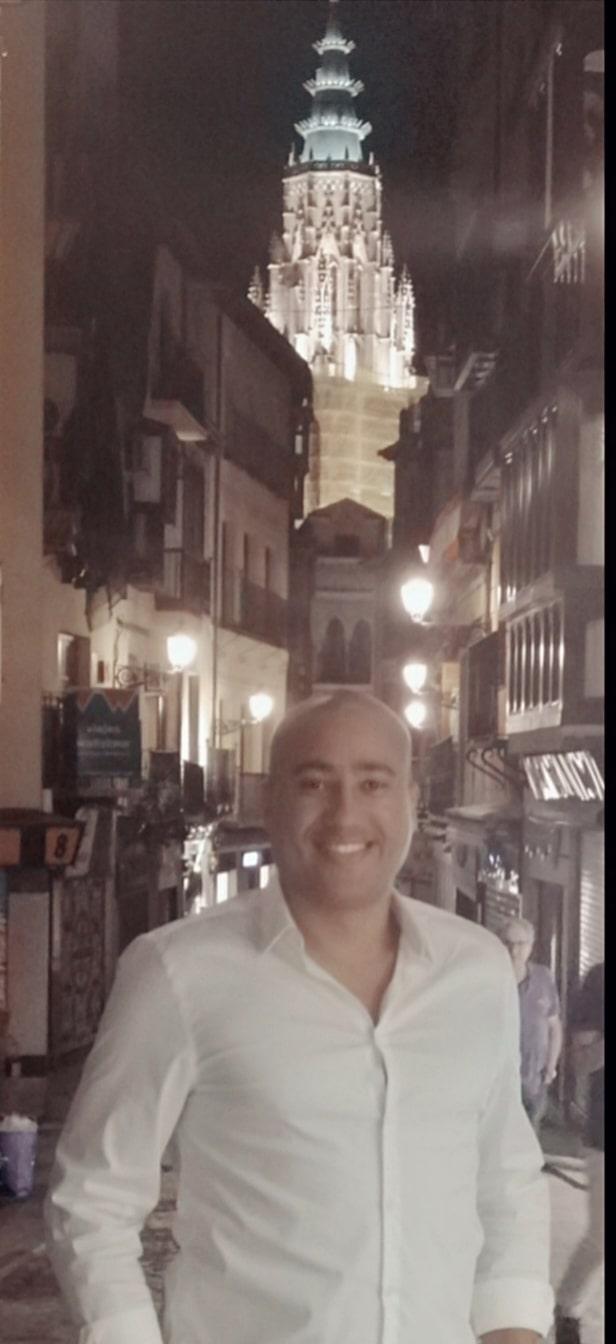 Hernán David Salazar Manrique. Una octava noche a la semana. Autor Avant Editorial WEB