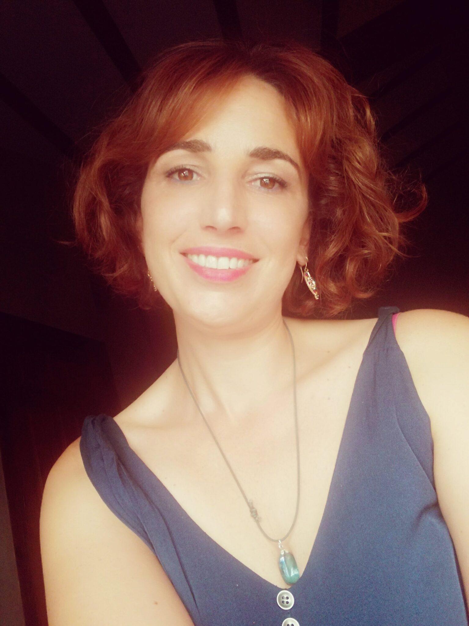 Mireia Coralchán. Luces de Neón. autora Avant Editorial