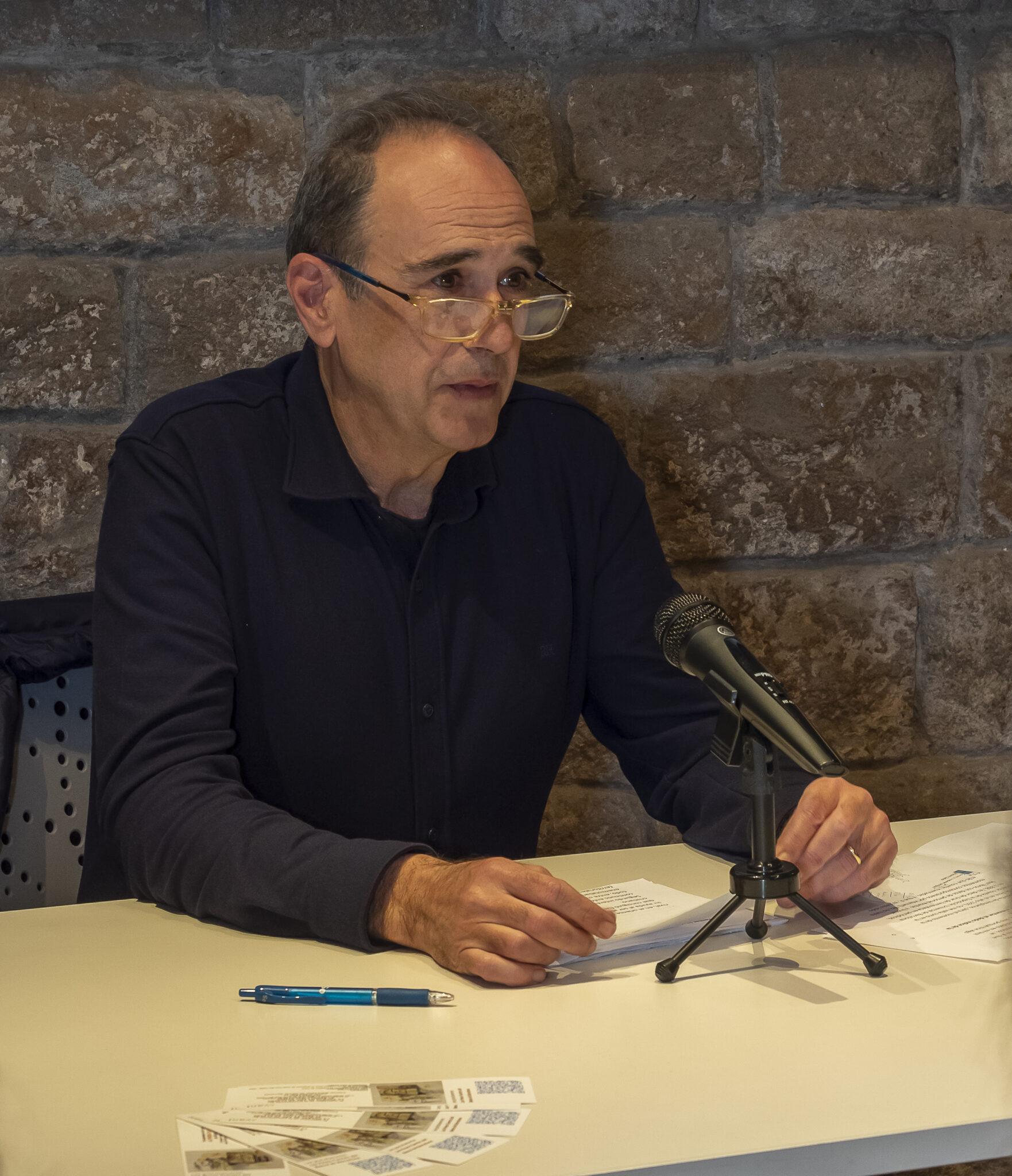 Rafael López. La puerta de los 30 clavos. Autor Avant Editorial